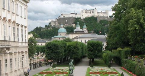 1806_-_Salzburg_-_Schloss_Mirabell.JPG