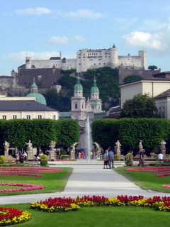 View_of_Salzburg_Fortress_from_Mirabell_Gardens.jpg